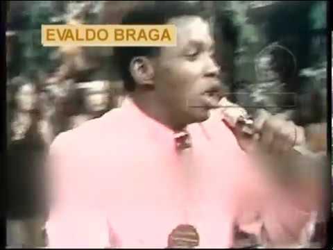 Evaldo Braga canta no Chacrinha - IMAGEM RARA !!!