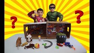 DESAFIO O QUE TEM NA CAIXA com o mini Hulk e Homem de Ferro
