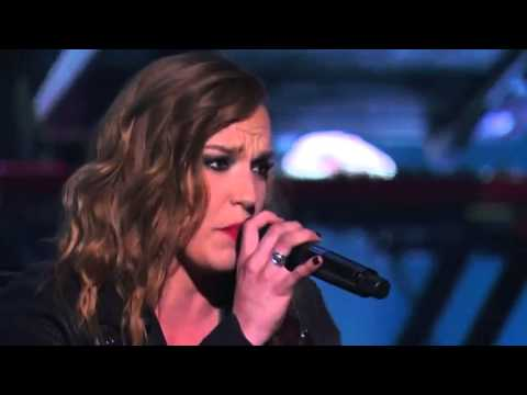 Lindsey Stirling & Lzzy Hale  Shatter Me   in Americas Got Talent S09E13