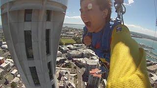 スカイタワーから飛び降りてみた…高所恐怖症なのに Jumping Off The Sky Tower In NZ thumbnail