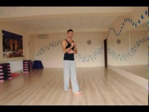 Вопрос: Как танцевать базовый шаг в Сальсе?