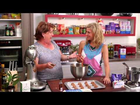 Cadbury Kitchen - Chocolate Whoopie Pies   Everyday Gourmet S3 E5