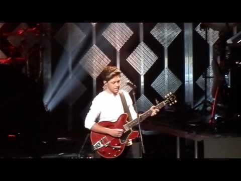 Niall Horan - This Town [Jingle Ball...