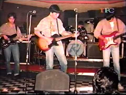 """""""Tambol"""" by The Jerks live"""