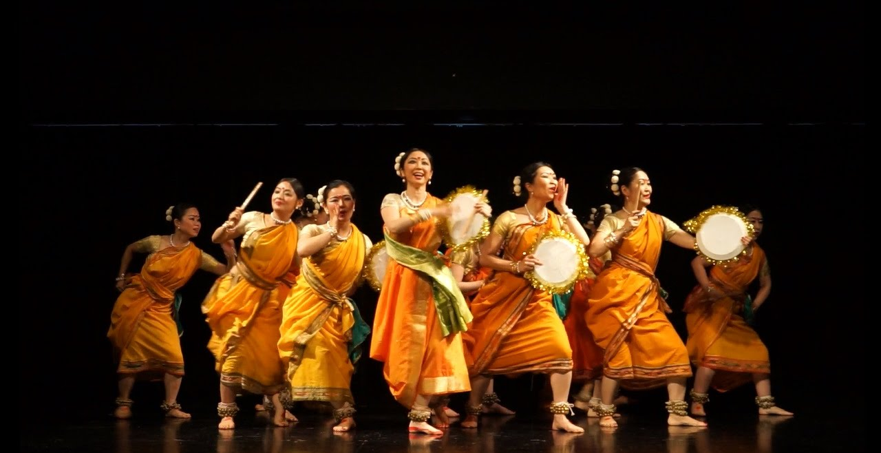folk dance Definition of folk dance in the audioenglishorg dictionary meaning of folk dance what does folk dance mean proper usage and pronunciation (in phonetic transcription) of the word folk dance information about folk dance in the audioenglishorg dictionary, synonyms and antonyms.