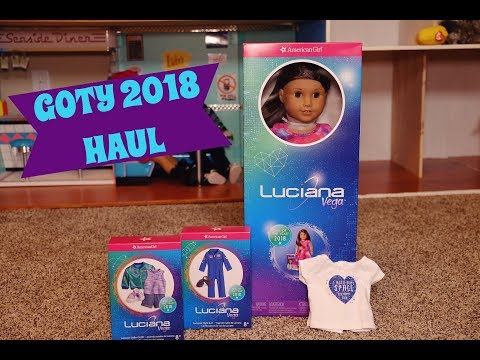 Opening Girl Of The Year 2018 Luciana Vega + Outfits