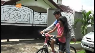 SMAN 49 Jakarta class of 2013 IPA's cover version video clips.VOB