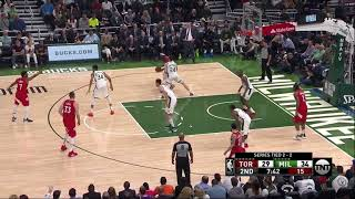 Bucks double Siakam in post with Gasol's defender (lopez)