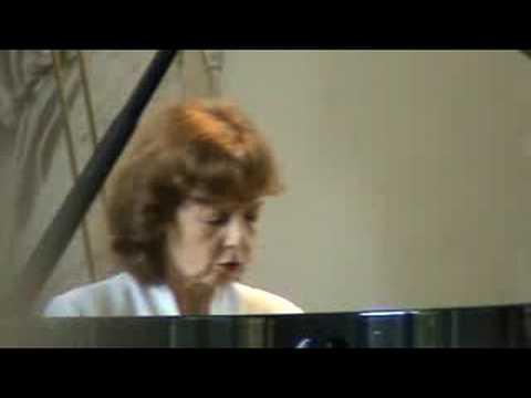 Anne Queffelec plays Chopin