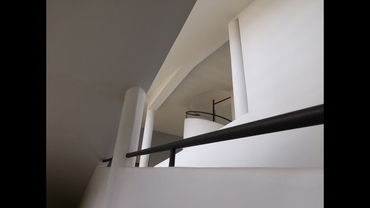 Cubist architecture the villa savoye youtube - Le corbusier tetto giardino ...