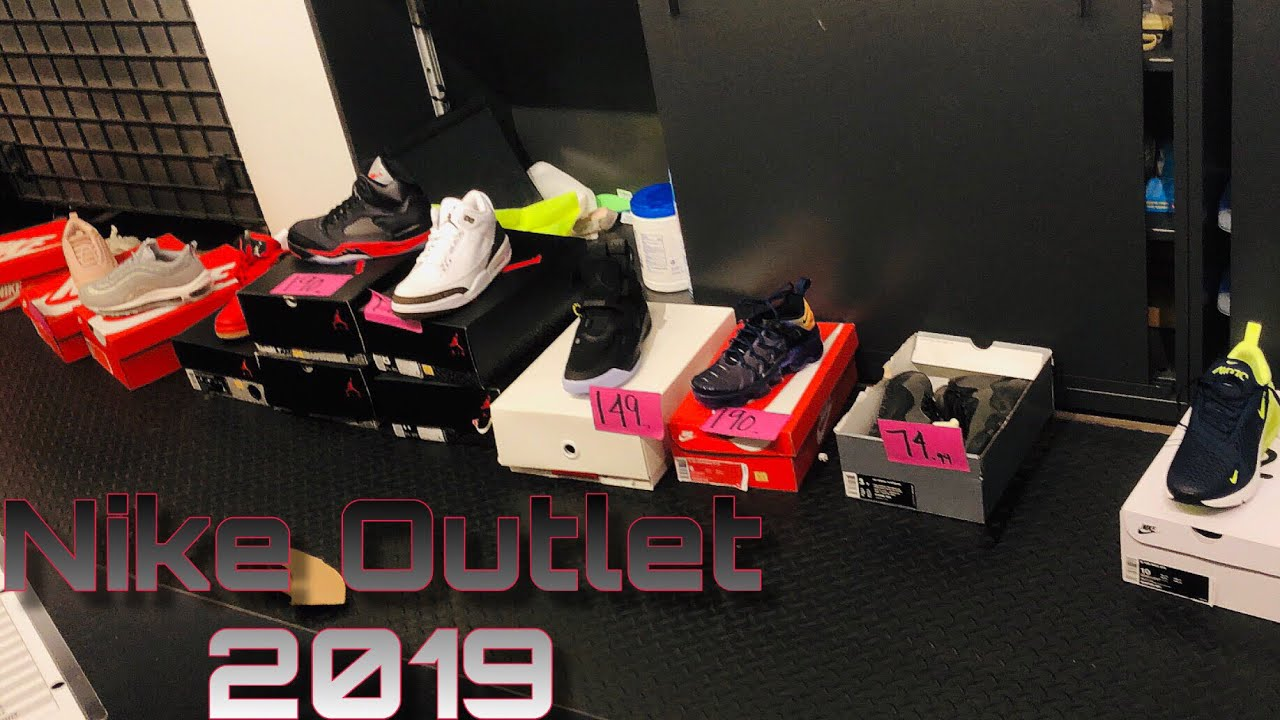 4593ca03b451 Nike Outlet Clearance Shopping New Years Day 2019!!! - YouTube