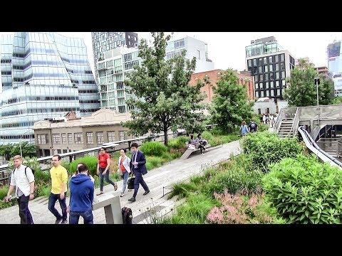 Manhattan, New York. The Green and Flowered High Line, Greenwich, Soho, Tribeca