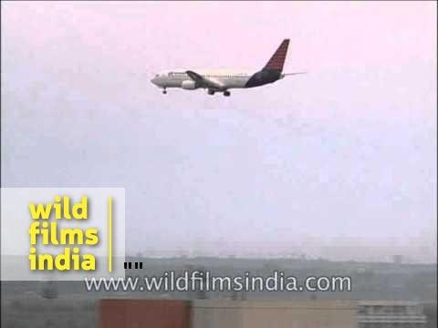 Air Sahara plane landing at Indira Gandhi International Airport, Delhi