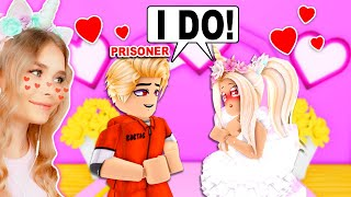 I Got MARRIED To A PRISONER In Adopt Me! (Roblox)