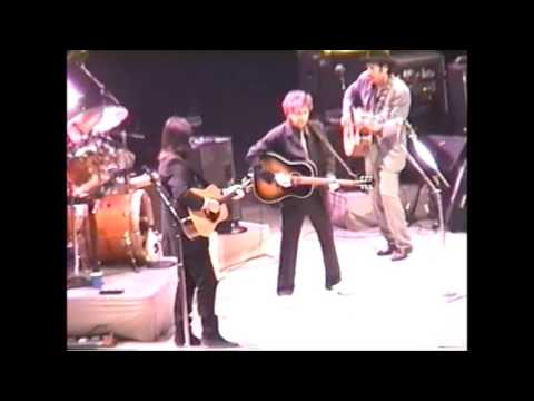 Bob Dylan- Tangled Up In Blue (Live) - YouTube