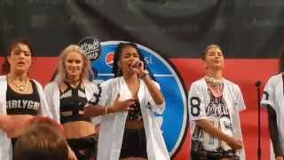 G.R.L- Ugly Heart (MOA Performance)