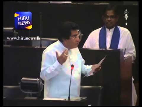 Mervin Silva Sings Manikak Rakina Na Rajindaku Se at Parliament