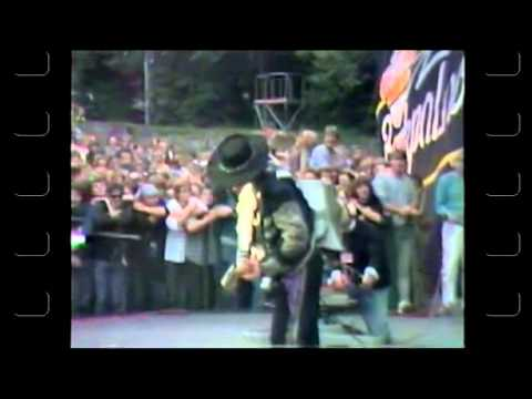 Stevie Ray Vaughan - Footage + Rare Backstage Interview 08/25/1984
