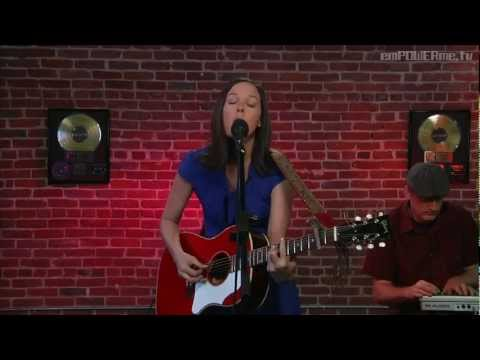 """Meiko - """"Leave the Lights On"""" (LIVE + Interview)"""