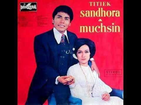 Pertemuan Adam Dan Hawa - Titiek Sandhora Ft Muchsin.mp3 (original 1969)