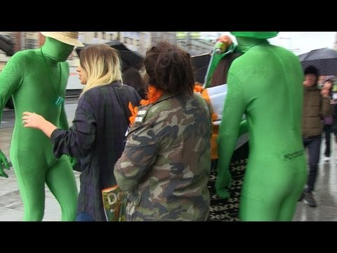 Eire. Irish Celebration: St. Patrick's Day / parade. Craic, streets, Dublin, Ireland Craic accent