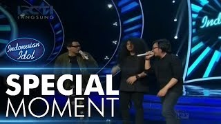 Video Para juri rebutan bernyanyi bersama Chandra! - Sperkta Show Top 10 - Indonesian Idol 2018 download MP3, 3GP, MP4, WEBM, AVI, FLV September 2018