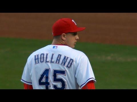LAA@TEX: Holland pitches Rangers into postseason