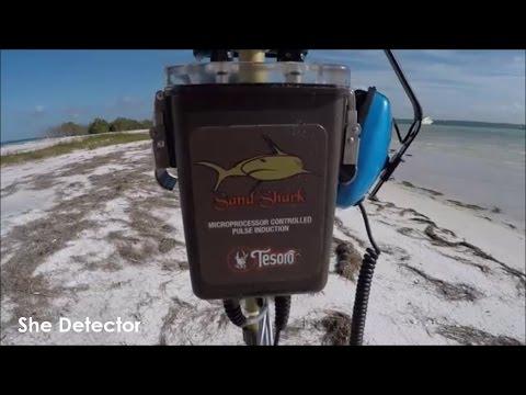 Metal Detecting - Tesoro Sand Shark & The New Year!