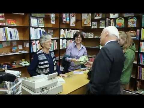 Leszek Miller odwiedza księgarnie w Kłodzku - 15.10.2014