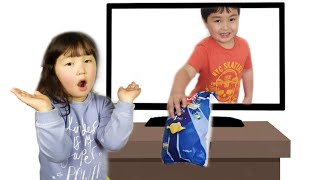 Tamik plays funny tricks - jokes with sweets | Pretend play for laughing | Family friendly