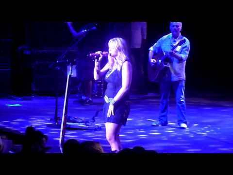"""Miranda Lambert performing """"The House That Built Me"""" for her Mom for Mothers Day @ Shoreline"""