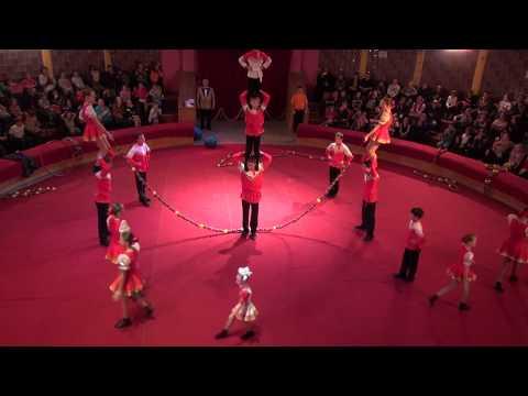 видео: Групповая скакалка. г Нижний Тагил. Фестиваль детских цирковых самодеятельных коллективов в ГУЦЭИ