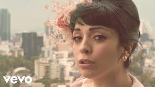 Смотреть клип Mon Laferte - Primaveral