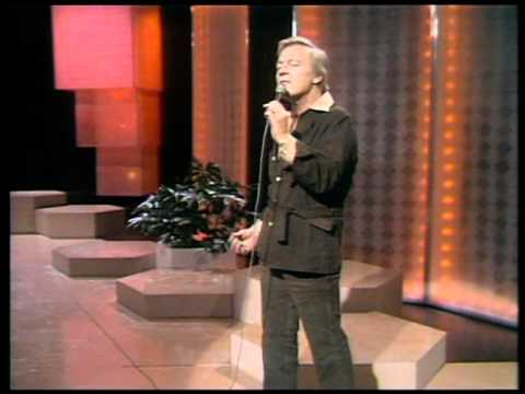 Matt Monro - Softly As I Leave You (Live at the BBC 1974)