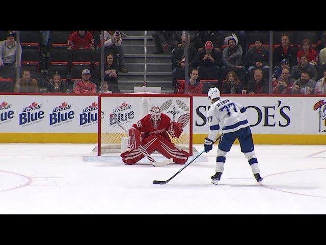 Lightning, Red Wings meet in shootout