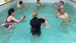 Грудничок и Мама -Обучение плаванию в бассейне в Минске для детей (Курсы,Секция,занятия)