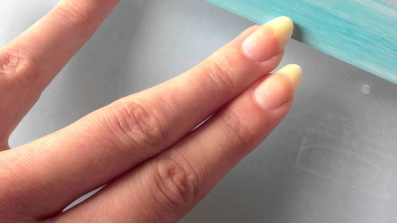Comment Bien Se Faire Les Ongles se rapportant à limage des ongles en amandes - youtube