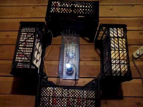 Газовый разряд в бактерицидной ртутной лампе низкого давления. Кварцевая лампа — электрическая ртутная газоразрядная лампа с колбой из кварцевого.
