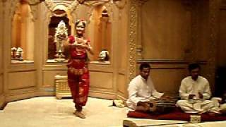 Authentic Music and Dance at Chennai, India Restaurant
