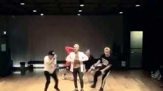 Repeat youtube video G-DRAGON 'Who you?' (니가 뭔데) Dance practice [Mirror]