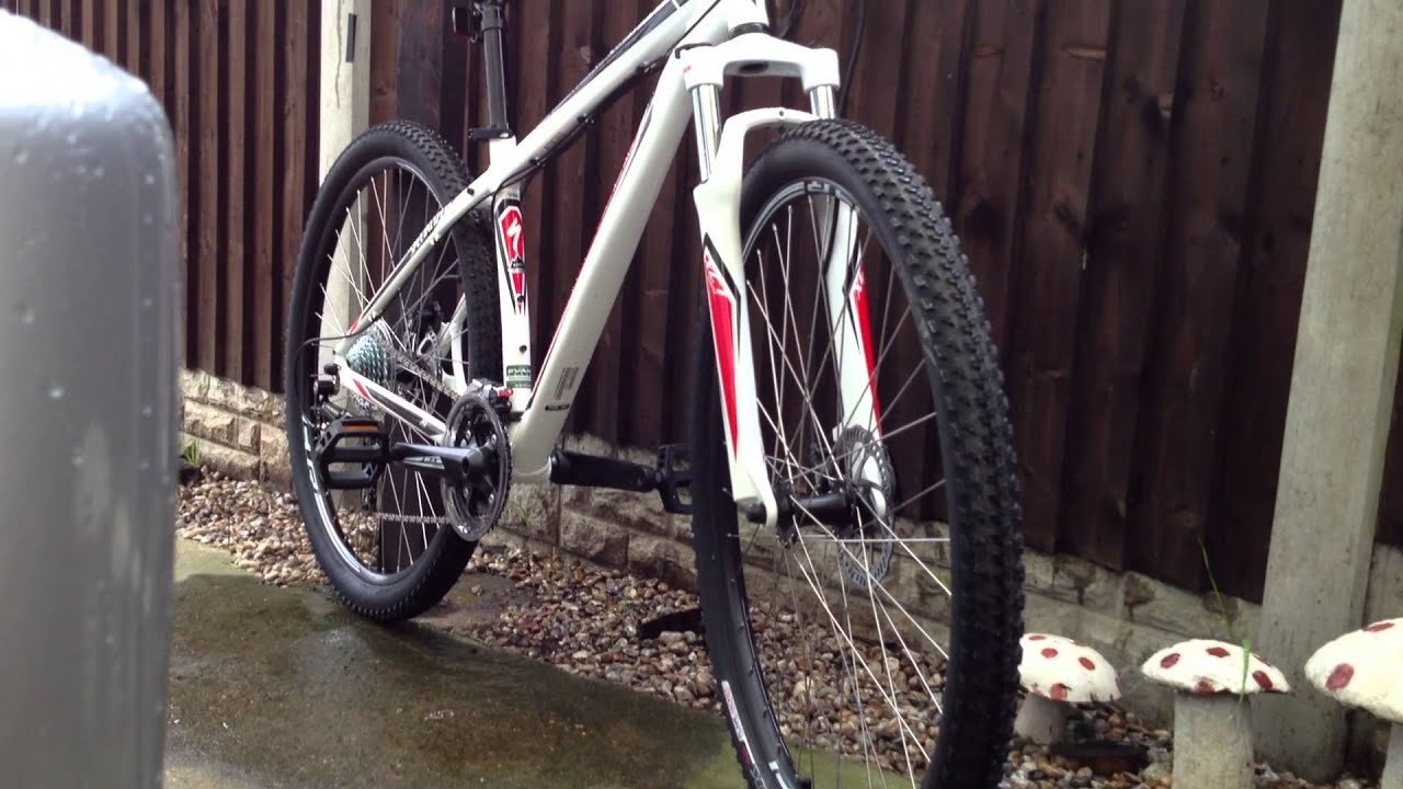 New 2013-14 specialized hardrock sport disc 29er Mountain bike:)