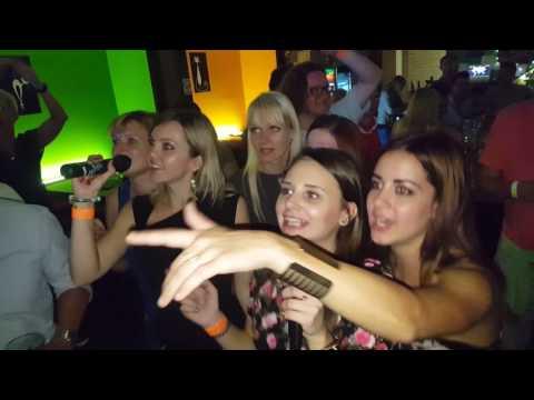 Pub Crawl Ljubljana - Karaoke