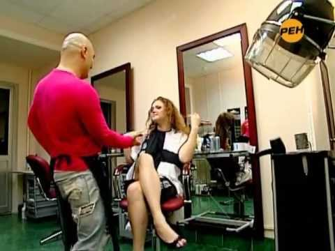 Naked and Funny: large naked to the breast in a barbershop