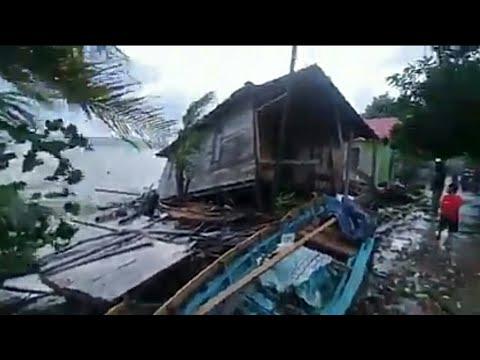 puluhan-rumah-rusak-di-terjang-gelombang-ombak-besar-di-lemukutan-bengkayang