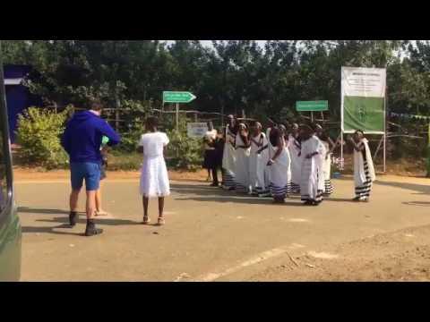 Rwanda Election: Singers welcome voters in Nyamasheke
