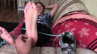 Repeat youtube video Miss Kay Smelly sneakers barefoot