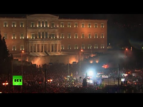 Crowds of Greek farmers protest austerity in Athens (Live record)
