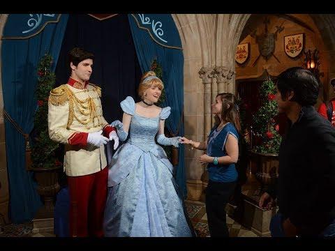 Dinner INSIDE Cinderella's CASTLE!! (cinderella's Royal Table Dinner)