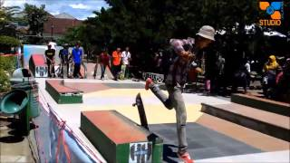 video skateboard freestyle di alun alun tulungagung