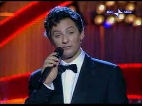 Fiorello imita Califano che canta Julio Iglesias